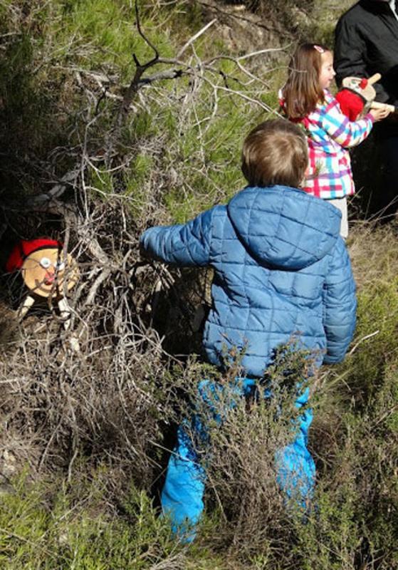 08.12.2013 Descobrint el tió  Clariana -  James McKinnell