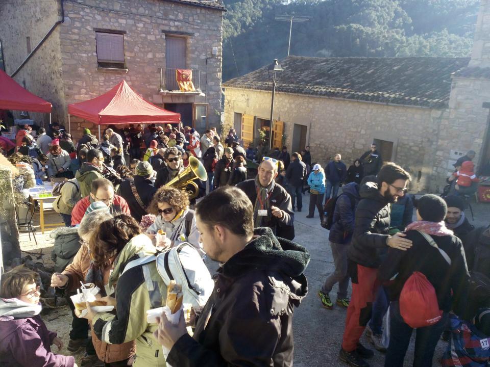 08.12.2014 Els visitants omplen la plaça de Clariana  Clariana -  Marià Miquel