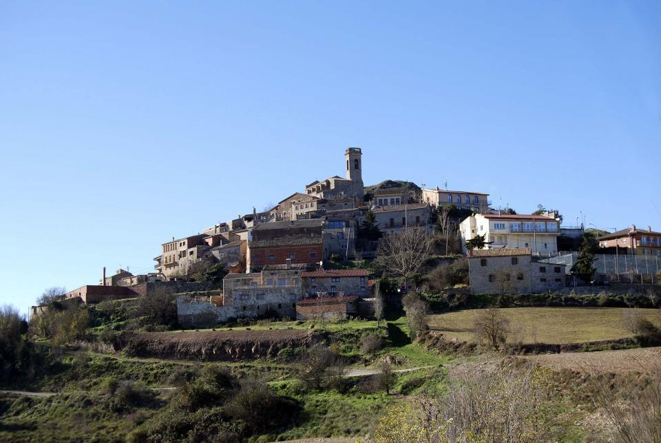 Vista del poble a la tardor