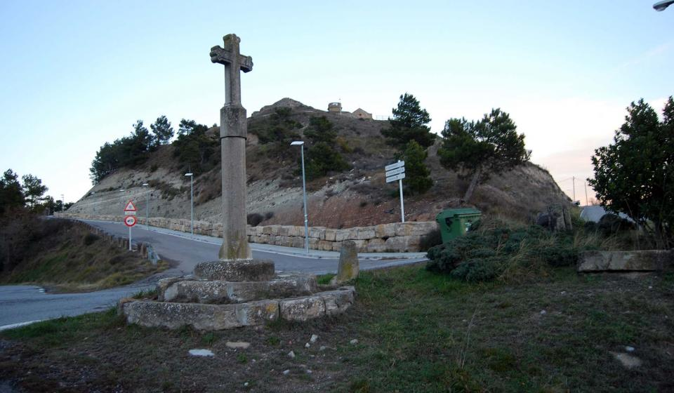 Wayside cross Argençola - Author ramon Sunyer (2015)
