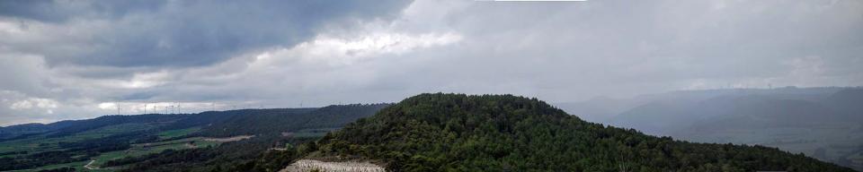 20.03.2016 s'atansa la pluja per Rocamora  Argençola -  Ramon Sunyer