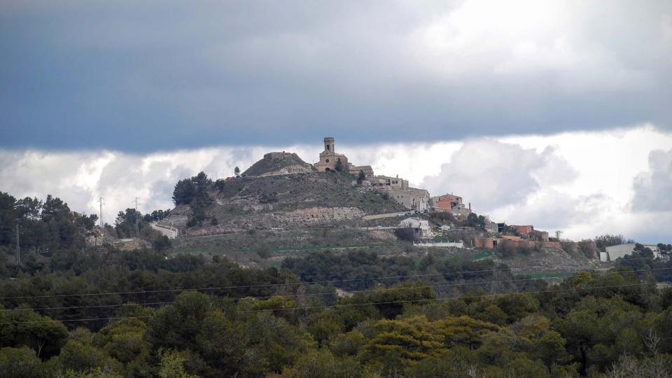 20.03.2016 el poble encimbellat dalt un turó  Argençola -  Ramon Sunyer