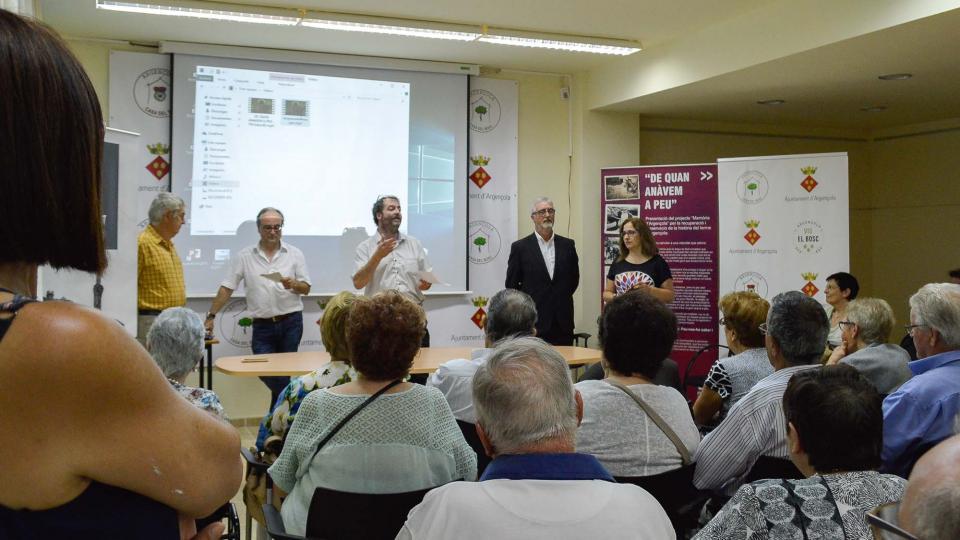 14.08.2016 El Regidor de Festes Jaume Teixé presentant l'acte  Argençola -  Mariona Miquel Solé