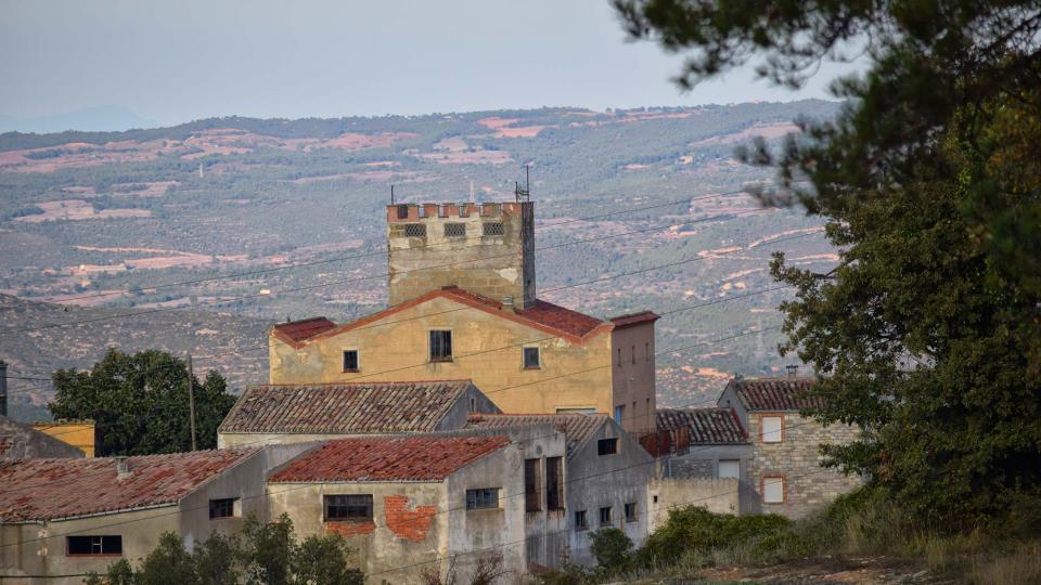 15.10.2016 vista del poble  Carbasí -  Ramon  Sunyer