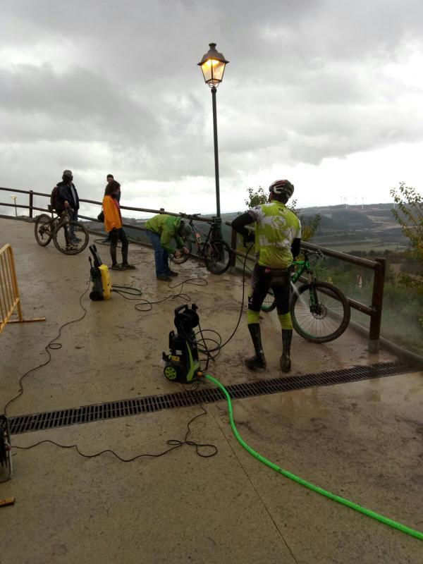 28.11.2016 Cuidant la bicicleta  Argençola -  Toni Castillo