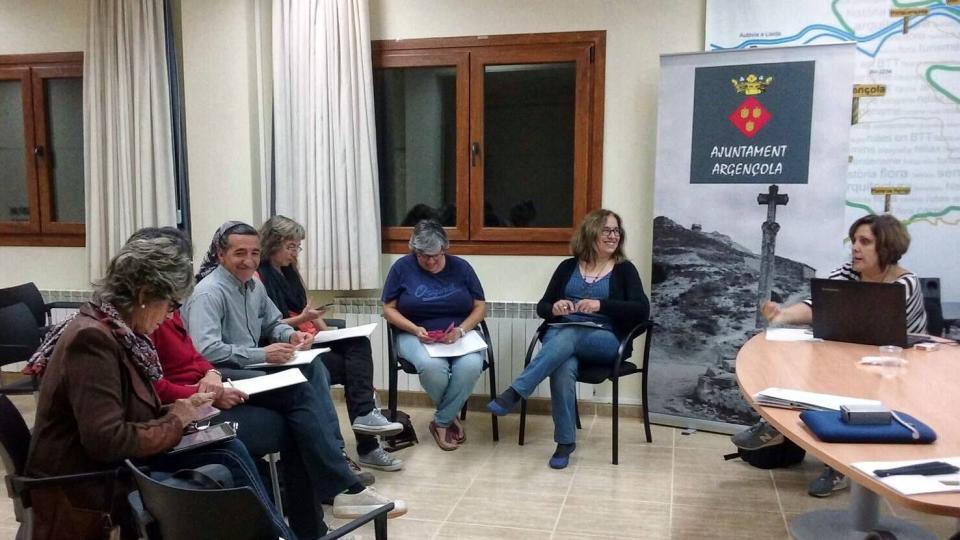 06.11.2016 Curs de Xarxes socials  Argençola -  Elisabet Vilella
