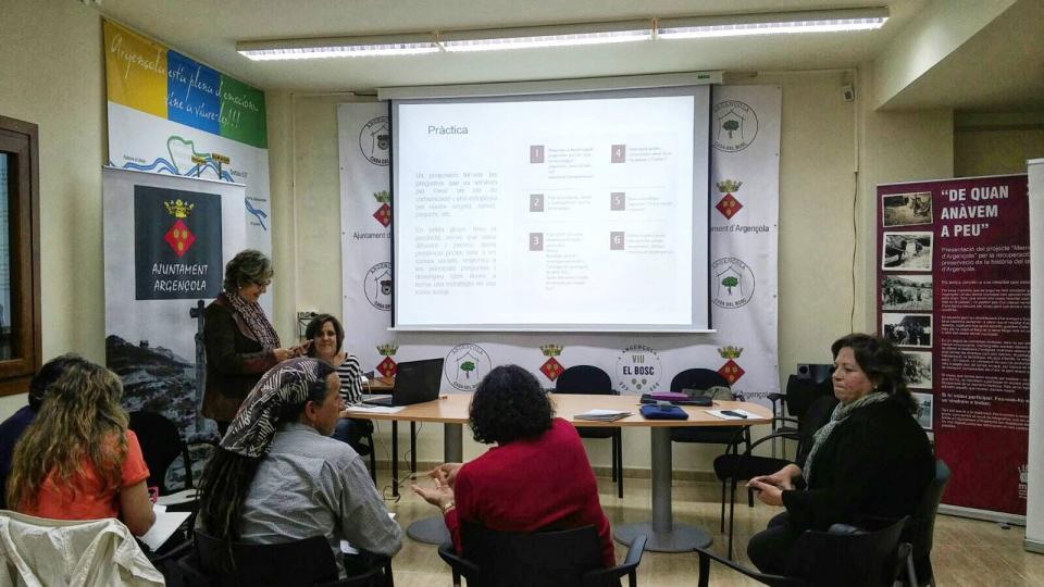 06.11.2016 Curs de Xarxes socials  Argençola -  Marina Berenguer