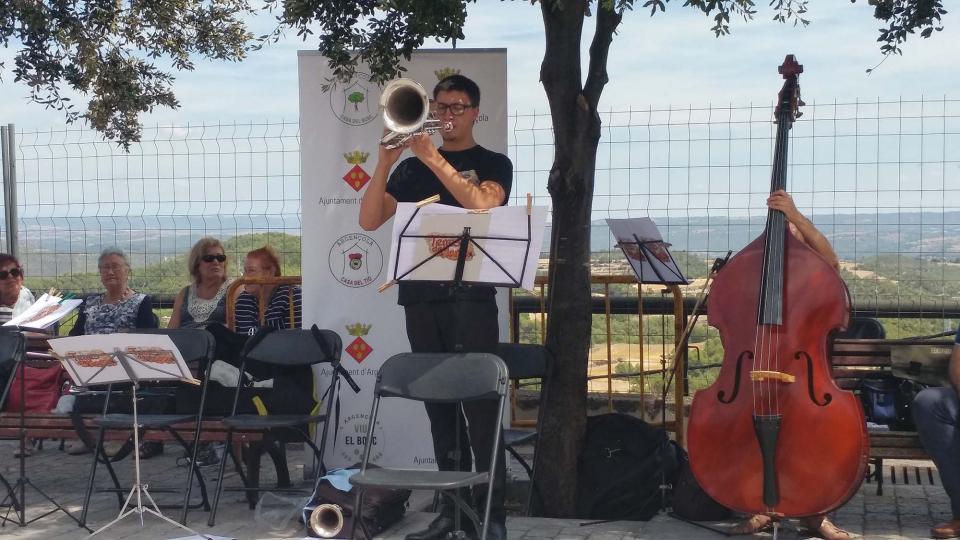 13.08.2017 actuació del quintet de Cobla Terres de Marca  Argençola -  Marina Berenguer