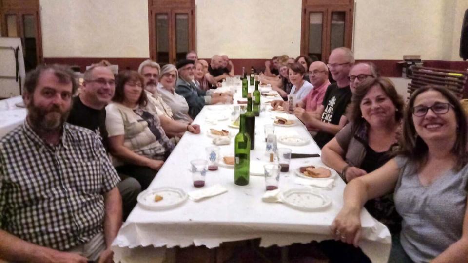 12.08.2017 L'organització i els voluntaris sopant  Argençola -  Toni Ripoll