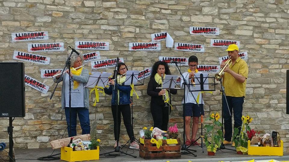 26.05.2018 Actuació dels Músics per la llibertat  Argençola -  Martí Garrancho