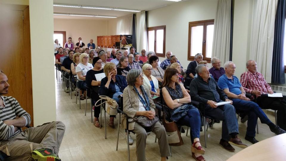 La reunió va aplegar un nombrós grup de veïns - Argençola