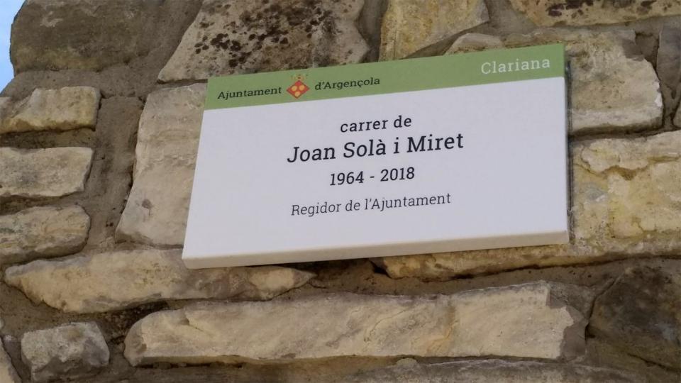 Argençola dedica un carrer a Joan Solà en el nucli de Clariana - Clariana