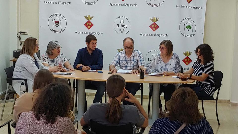 D'esquerra a dreta, Marina Berenguer, Maria Descarrega, Josep Albareda, Gumersind Parcerisas, Sònia Duran (secretària) i Mercè Hernàndez - Argençola
