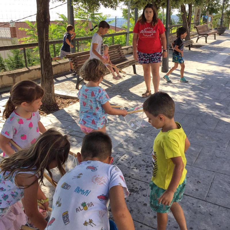 23.07.2019 Fent bombolles de sabó  Argençola -  Animans