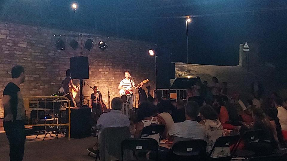 11.08.2019 Concert de Pasqual i els Desnatats  Argençola -  Marina Berenguer