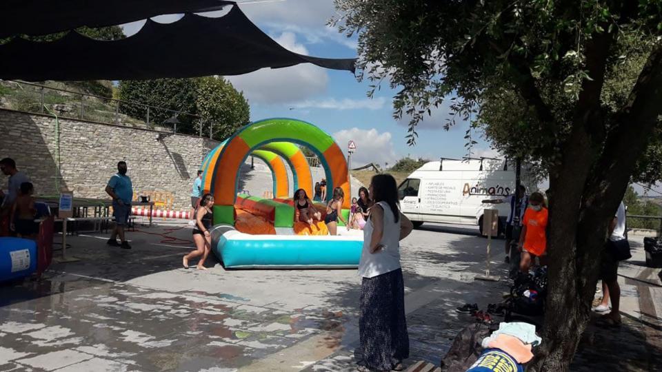 07.08.2021 Inflable d'aigua. Animan's  Argençola -  Marina Berenguer