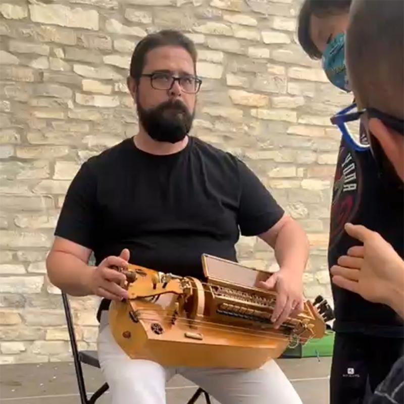 08.08.2021 Enric Solà, música tradicional  Argençola -  Marina Berenguer