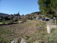 Clariana: Els vehicles aparcats per tots els camins  Marià Miquel