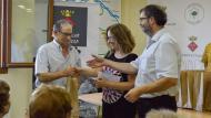 Argençola: Entregant l'obsequi a Esteve Lluís de Cal Torelló de Clariana  Mariona Miquel